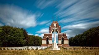 Mémorial de Thiepval - Cemetery