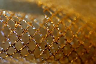 Maille ruban pour une fête dorée