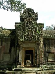 Thommanon (Oleg Nomad) Tags: камбоджа сиемрип ангкор храм байон кхмерский руины cambodia siemreap angkor bayon temple ruins asia travel