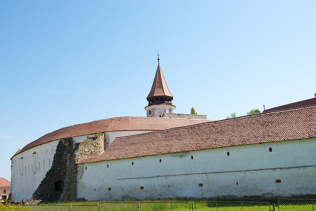 фото: Prejmer. Wall of church