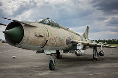 Suchoi Su-22 (Berlin-Knipser) Tags: berlin gatow flugplatzberlingatow militärhistorischesmuseumberlingatow militärhistorischesmuseumflugplatzberlingatow militärluftfahrt luftfahrt luftwaffe luftwaffenmuseum deutschland germany sonya7ii sel35f28z
