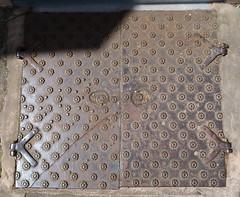 Iron doors (Badly Drawn Dad) Tags: broadstreet gbr geo:lat=5236611573 geo:lon=271847516 geotagged ludlow shropshire unitedkingdom