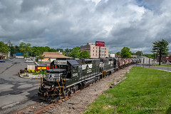 NS EMD GP38-2 #5285 @ Morrisville, PA (Darryl Rule's Photography) Tags: aestaley cpdq cpwestlang dairyqueen delmorrave emd freight freightcar freighttrain freighttrains ge gevo gp382 langhorne liteengines local m7g mor1 mixedfreight morrisville morrisvilleline ns norfolksouthern railroad railroads staley staleylocal streetrunning train trains trentoncutoff westbound ypmor1