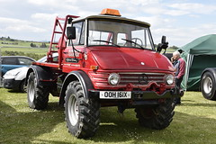 BA Vintage Fair - Aberdeen Scotland - 2018 (DanoAberdeen) Tags: 00h161x 006161x candid amateur 2018 bavintagecountryfair danoaberdeen truckfest farm farming countryside festival gala fair aberdeen aberdeenscotland abdn abz nikond750 outdoors freshair event public charity trucks truckers transport haulage countryfair carshow automobile vintage classic farmmachinery bluesky cloudporn tractor tractors golden scottishweather showtrucks antiquetractors antique museum vehicle vehicles motors engine v8 v6 v12 tractorshow scottishtractors family dayout machinery steamengine antiques oldtimer rare unique notmanyleft originals scottishhighlands scottish farmwork