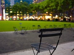 2018-05-23_08-06-54 (Did From Mars) Tags: ny nyc bryantpark nuit
