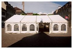 Tent (ngbrx) Tags: nyon vaud switzerland waadt romandie zelt tent genfer see lac leman schweiz suisse svizzera shadow schatten