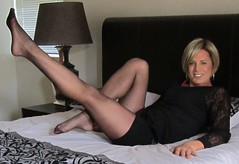 v143d (Catherine Mandy Vermaak) Tags: cathy vermaak pat chandler robin wright linda gray pantyhose cameo arwa hanes kate tights