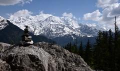 Roche et Mont Blanc - Roc and Mont Blanc (CHAM BT) Tags: rocher kairn roc montblanc neige sommet foret glacier snow summit forest hautesavoie france pierre nuage stone cloud pyramide calcaire limestone massif passy