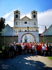 1 - Zarándokok a LORETTOMI BAZILIKA előtt / Pútnici pred BAZILIKOU V LORETTO / Fotó: Szerda Tamás