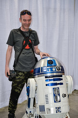 Me and R2-D2 at the Calgary Comic and Entertainment Expo 2018 (Michael Mckinney (Find my Twitter @MMckinneypho) Tags: star wars calgary comic expo scifi r2d2 droid robot alberta canada