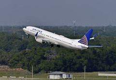 United Take Off (Infinity & Beyond Photography) Tags: united air lines airlines boeing 737 b737 takeoff tampa airport tpa planes