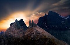 Le due torri (art & mountains) Tags: alpi alps ossola deveroveglia traversata trekking hiking grandeovest cime punte granito roccia creste cielo respiro natura silenzio contemplazione geisspfad confine bivaccocombilanza ee eea vision dream spirit art