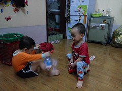 0405 (ruoi_men) Tags: cousin family love funny childhood children ak ankhanh benho brothers
