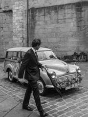 ... El gentleman  ... (Lanpernas .) Tags: gentleman elegante automovil coche car voiture boda iglesia donostia 2018 life candid
