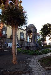 Plaza del Espíritu Santo  - Las Palmas (Mark Wordy) Tags: plazadelespíritusanto square laspalmas grancanaria spain sunset domedfountain