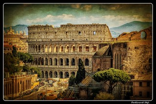 Roma_Via dei Fori Imperiali_Koloseum Colosseo