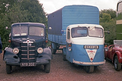 Bedford KD, Scammell Scarab, 28 Jul or 3 Aug (Ian D Nolan) Tags: prinzflashmaticgt7 35mm epsonperfectionv750scanner bedfordkd scammell scarab