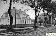 tm_7259 - Norra Kungsvägen, Tidaholm (Tidaholms Museum) Tags: svartvit positiv tidaholm 1923 stadsgata