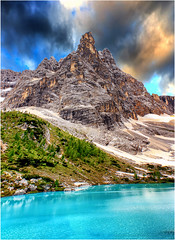 Narciso allo specchio (Gio_guarda_le_stelle) Tags: dolomiti dolomites dolomiten dolomite clouds sunset itly mountainscape lake lago sorapiss reflection nuvole water mirror blue green canon peack montagna vetta rifugio shelter hiking salita scalata smeraldo limpido trasparenza turchese