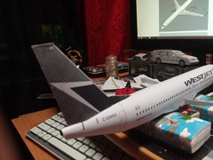 IMG_20180119_165914 (Hipo 50's Maniac) Tags: boeing 737800 westjet papercraft 1100 scale by paperreplikacom paper model aircraft jetliner plane 737 next generation