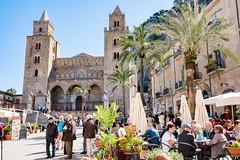 Piazza del Duomo (Stauromel) Tags: duomo piazzadelduomo catedral cefalu sicilia italia palmeras hosteleria turismo stauromel skyline street alquimiadigital arquitectura fuji fujixt2