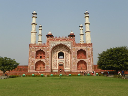Agra 83 - Akbar's tomb