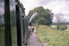 Mendip Vale loop, 28 Jul or 3 Aug 1985 (Ian D Nolan) Tags: railway esr prinzflashmaticgt7 epsonperfectionv750scanner 35mm mendipvale 2100z br blackprince station