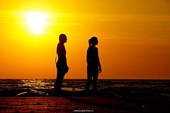 DSC08554 (ZANDVOORTfoto.nl) Tags: zandvoort zandvoortfoto zandvoortfotonl susnet sun zonsondergang zon sup suppen supgirls sunsetsilhouette sunsilhouette sunny edwin keur aan zee nederland netherlands dutchcoast kust noordzee