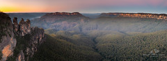 The Three Sisters over looking Jamison Valley at the Blue Mountains (Bobby Krstanoski - Photography) Tags: nswhistory canonef1635f28 australianhistory landscape australia outdoor bluemountains canon5dmarkiii nsw longeposure jamisonvalley panoramic tree places forest sunrise history rocks fog thethreesisters clearsky autum canon