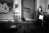 spi_341 (la_imagen) Tags: türkei turkey türkiye turquía istanbul istanbullovers pera beyoğlu istiklâlcaddesi cat katze kedi sw bw blackandwhite siyahbeyaz monochrome street streetandsituation sokak streetlife streetphotography strasenfotografieistkeinverbrechen menschen people insan night gece nacht