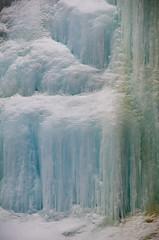 Solid Blue Ice (Bracus Triticum) Tags: solid blue ice johnston canyon 4月 四月 卯月 shigatsu uzuki unohanamonth 2018 平成30年 spring april バンフ banff アルバータ州 alberta canada カナダ