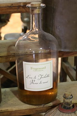 Flacons (CHRISTOPHE CHAMPAGNE) Tags: 2018 grasse france 06 alpes maritimes fragonard parfum flacon