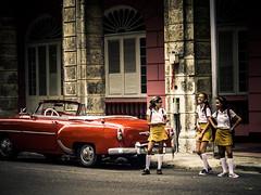 Havanna (gies777) Tags: kuba cuba havanna havana habana lahabana auto chevrolet chevy oldtimer uscar vintage cabrio cabriolet convertible olympus omd em5 mft micro four thirds reise travel vacation schuluniform lachen laugh mädchen chicas