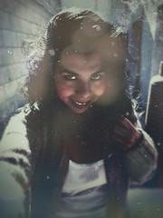 ○●Soy de aquí y soy de allá,  por que no siempre estoy donde está  mi cuerpo, sino hasta donde viajan mis pensamientos.●○ (ivethmendez86) Tags: portrait selfie textures texturas hair smile eyes sonrisa me méxico old cool nice cute fotodeldia samsung