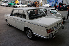 Oldtimertreffen_Moers_Pannenbecker_11-09-2016_IMG_4375_DxO (Fine Cars) Tags: bmw 2000 limousine sedan car auto