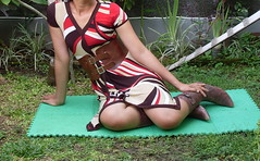SDC11725 (ikat.bali) Tags: belt gürtel leder leather wide widebelt fashion amateur dress kleid fotomodell frau lady girl fetish outdoor breitegürtel photomodel