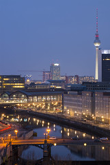 Blue hour view at Reichstag rooftop (HansPermana) Tags: berlin deutschland germany ddr city cityscape citycenter reichstag dome aerialview modern sunset bluehour longexposure lights spree river