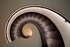 Ammonit (Elbmaedchen) Tags: treppenhaus treppenauge downstairs staircase stairwell roundandround curves interior inside schnecke slug