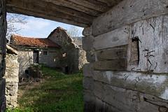 _DSC6205 (frangher) Tags: casa house abbandonata abandoned architettura vecchio lombardia escursionismo nikon d3100 avolasio