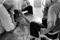At chess (風傳影像) Tags: ilfordpan400 pentaxsmctakumar1450 135film 35mmfilm canoneos1000 tainan tainancitypark analogue blackamdwhite film filmcamera filmisnotdead flatbedscanner manual monochromatic monochrome negagtive negativefilm vintagecamera
