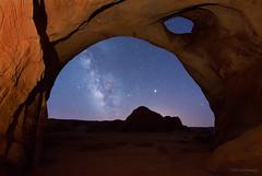 Sun's eye (Wei, Willa) Tags: milkyway monumentvalley