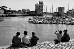 La Pause (Fabrice Denis Photography) Tags: streetphotography noiretblanc bateaux port harbor larochelle seascapes youpic blackandwhite seascapephotography france bwphotography charentemaritime street projet522018 boats voiliers sea blackandwhitephotos streetpics coastalphotography blackandwhitephotographer ocean monochrome monochromephotography nouvelleaquitaine coastal oceanphotography blackandwhitephotography streetphotos seascapephotographer vieuxport seascapephotos quaiduperré fr