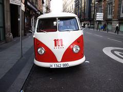 Volkswagen T1 (Rafa Gallegos) Tags: madrid españa spain antiguo vintage old furgoneta van volkswagen vehículosveteranos vintagecars