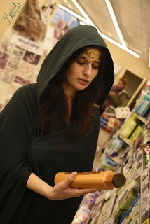 Everyday Cosplay #12b: Clair De Lune Cosplay as Wonder Woman (Shopping)