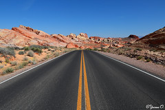 Scenic Drive - Valley of Fire (Yvonne Oelsner) Tags: valleyoffire nevada usa whitedomesroad scenicdrive roadtrip americanwest rocks landscape street road desert