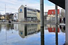 Ráðhús Reykjavíkur (Reykjavik City Hall), Reykjavík, Ísland (Iceland) (leo_li's Photography) Tags: reykjavík ráðhúsið tjörnin iceland reykjavik europe 冰岛 冰島 雷克雅未克 歐洲 ísland islande reflection 倒影