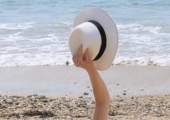 Chapeau à la plage (domiguichard) Tags: brittany bretagne hat beach plage