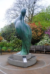 Isis (zawtowers) Tags: jubilee greenway section 1 walk saturday 28th april 2018 cloudy damp buckinghampalacetolittlevenice amble stroll walking exploring london urban hyde park green space serpentine sculpture swan isis