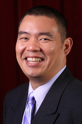 Head shot of Dung Tran