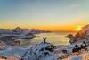 Wintersonne (markusschaaf-keim) Tags: person gipfel berg sonnenuntergang winter norwegen lofoten
